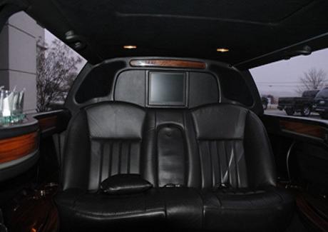 10 Passengers Lincoln Town Car Limousine Bargain Limousine Service